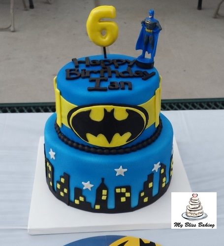 how to make a batman mask out of fondant